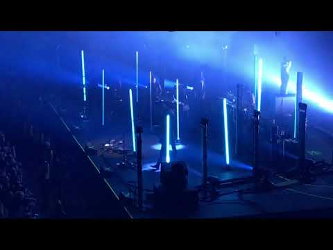 Queens of the Stone Age - Feet Don't Fail Me @ MEN Arena, Manchester 19/11/17
