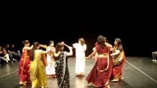 Madhuban Mein Jo Kanhaiya Kisi Gopi Se Mile Dandiya Dance