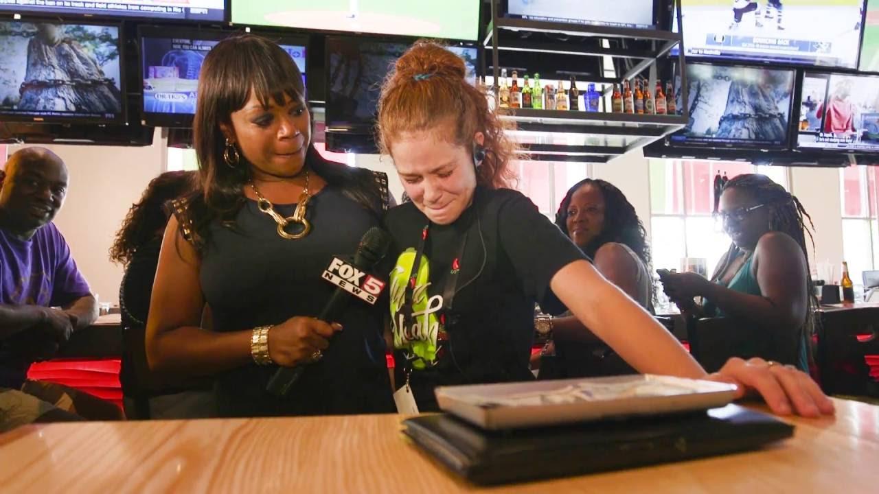 ผลการค้นหารูปภาพสำหรับ fox5 surprise squad - waitress gets $12 000 tip