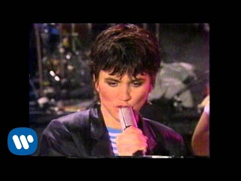 "Linda Ronstadt - ""Mad Love"" (Official Music Video)"