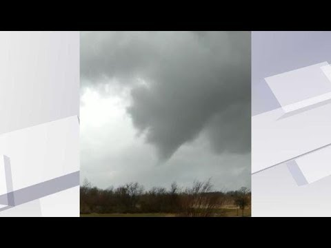 Tornado touches down in western Kentucky; nearly hits NWS office