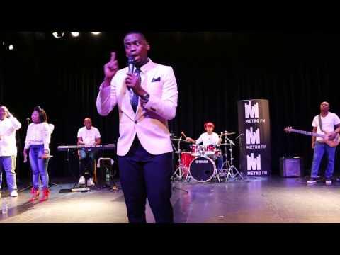.@sbunoah sings