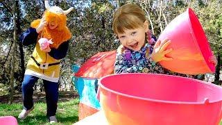 Nastya Play Открывает Огромные Яйца Сюрприз  с игрушками