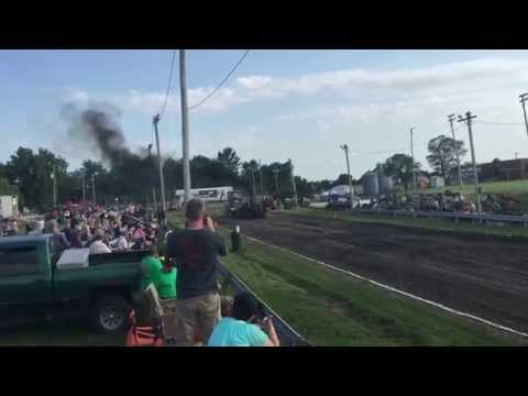 Bob McConkey in the 10,200 Modified Farm at King City, Missouri on June 20 2015