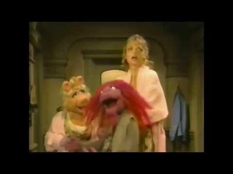 Muppet Songs: Michelle Pfeiffer & Miss Piggy - Do-Re-Mi