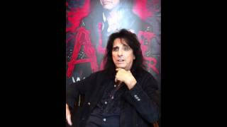 Alice Cooper Addresses his SickThings!