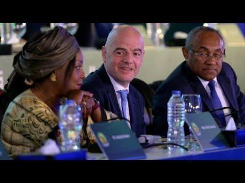 فضيحة فساد كبيرة داخل بيت الإتحاد الإفريقي لكرة القدم.. وأحمد أحمد في قفص الإتهام