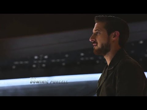 Arrow-verse some Batman references