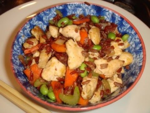 Fried Red Rice with Chicken and Vegetables