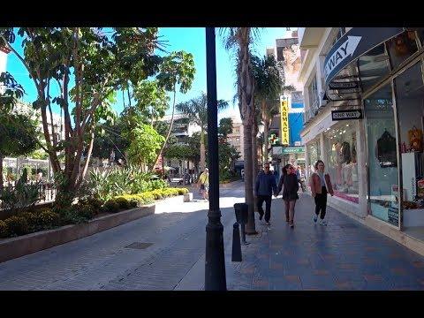 STREET WALKING SPAIN: Fuengirola Is Growing On Me