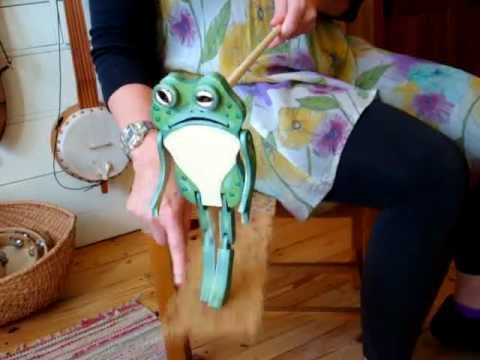 Froggie the limberjack dancing to Do Mr. Boker Do, on banjo