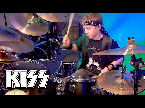 War Machine (Drum Cover) 9 year old Drummer - Avery Drummer Molek