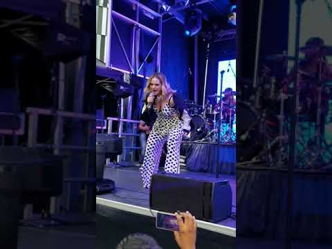 JoJo - Leave (Get Out) LIVE 2019