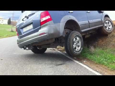 Kia Sorento with ARB rear difflock. Bloqueo de diferencial trasero (ARB modificado)