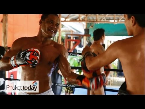 Jomhod Kiatadisak training at TMT for Full Metal Dojo MMA fight