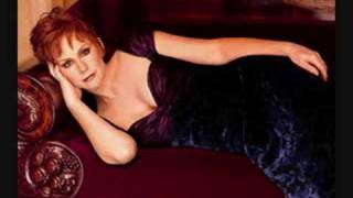Watch Reba McEntire Angels Lullaby video