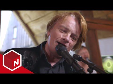 Jan Eggum synger