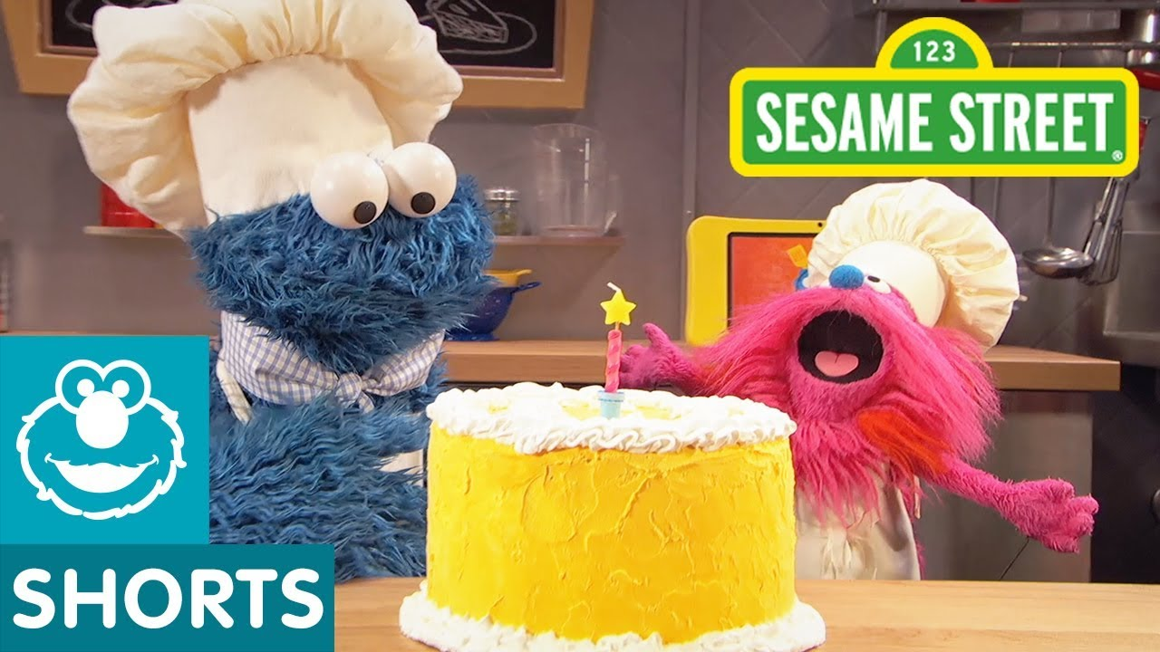 Sesame Street Making Birthday Cake Cookie Monster S