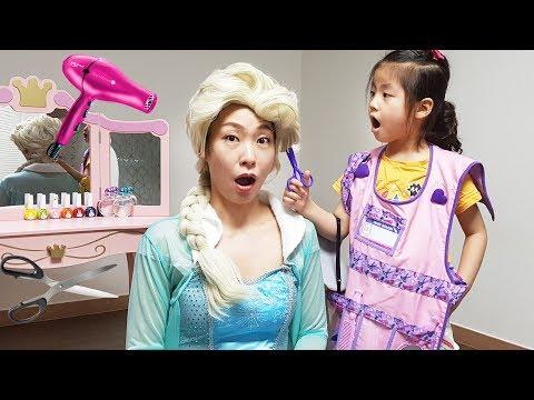 Seoeun Pretend Play Hair Designer with Frozen Elsa Princess