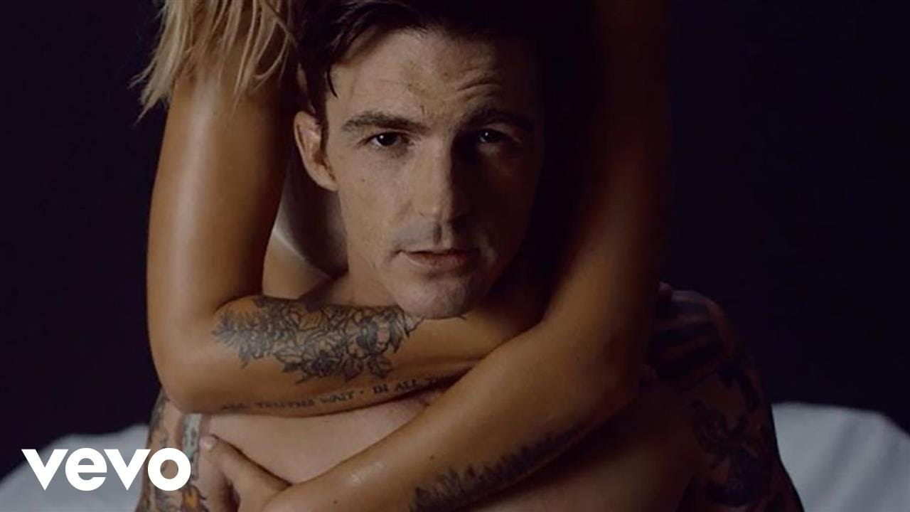 Amanda Bynes Sex Tape drake bell simulates raunchy sex in nsfw rewind video | e! news