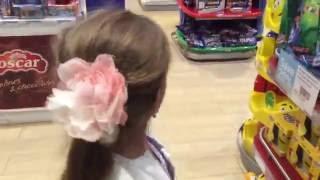 видео Шоппинг в Ираклионе: дьюти фри, магазины, торговые центры