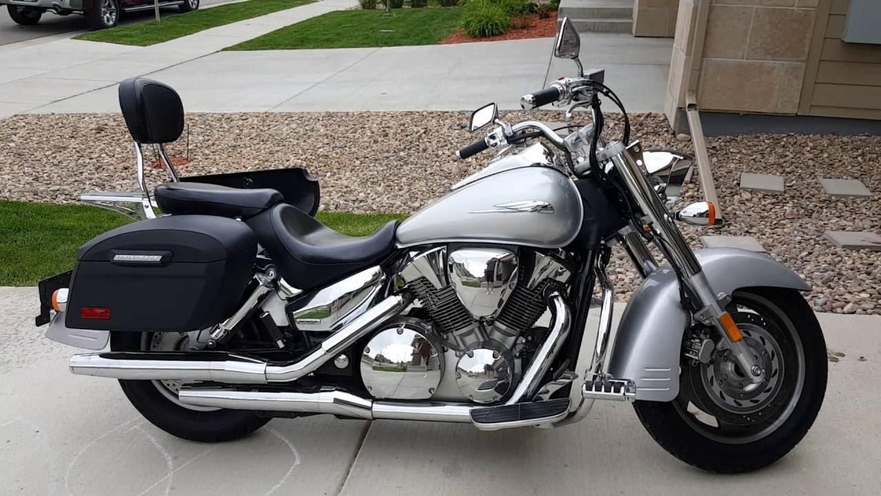 2009 honda vtx 1300r motorcycle saddlebags review vikingbags com youtube [ 1280 x 720 Pixel ]