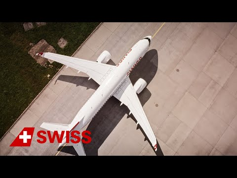 Welcoming the first Bombardier CS100 for SWISS in ZRH | SWISS