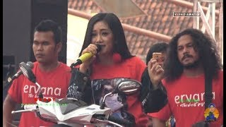 "Video Susi Ngapak - Juragan Empang - OM Ervana LIVE Gor Satria Purwokerto ""JALAN SEHAT TELKOMSEL 4G"" download MP3, 3GP, MP4, WEBM, AVI, FLV Desember 2017"