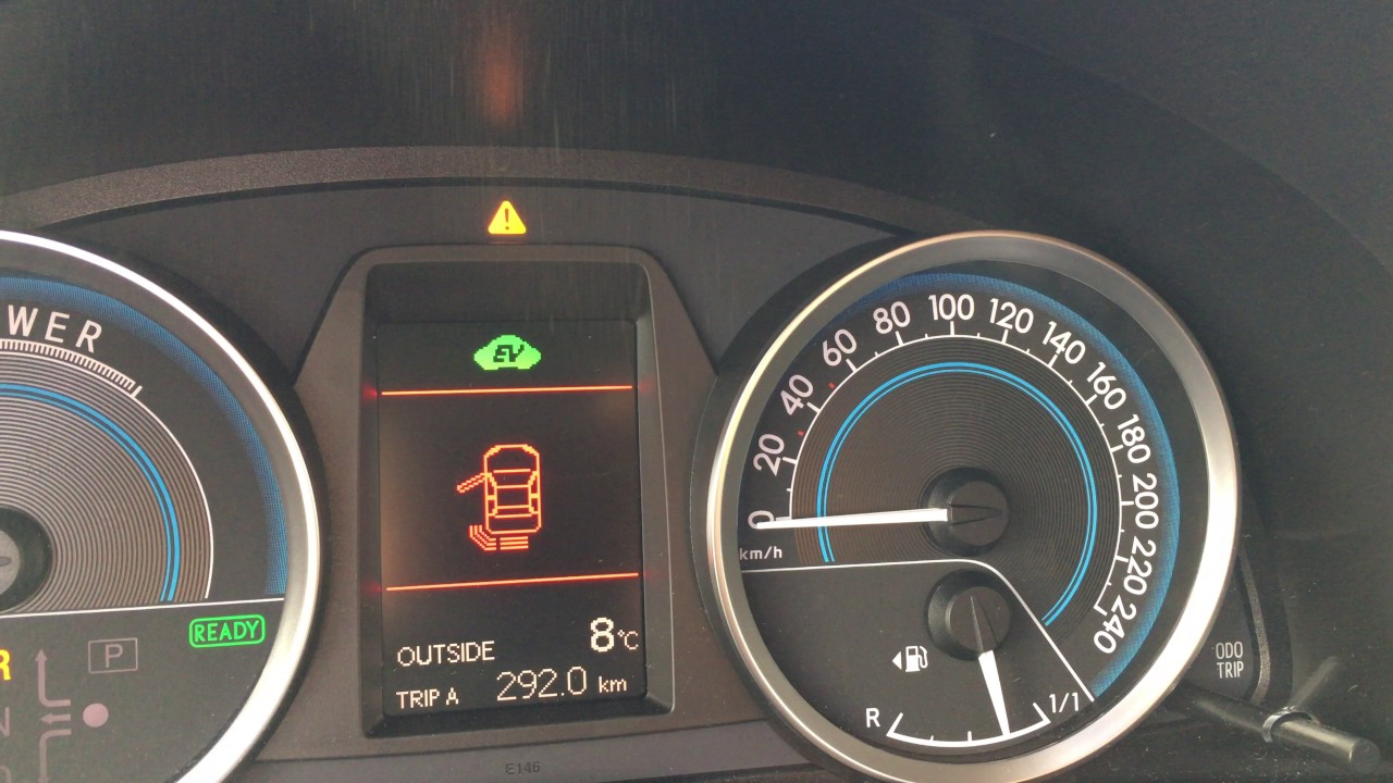Toyota Auris HSD Parking Distance Control beep vs  music