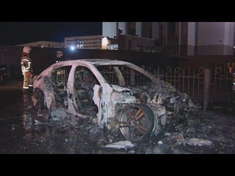 Элитное авто сгорело у элитного забора