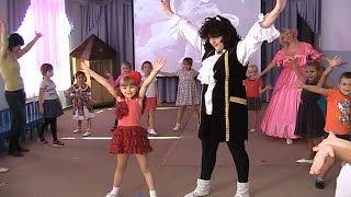 VLOG Утренник в Детском Саду в честь моего Дня Рождения! Игры, танцы и много подарков :)