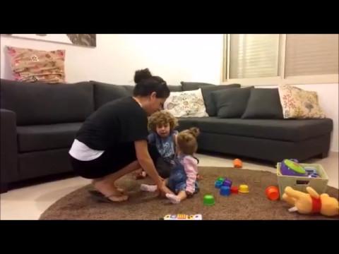 איך להרים את התינוק מהרצפה ולשמור על הגב?