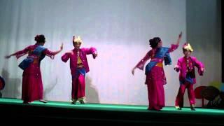 Video Cahaya Aidilfitri - Sri Anggun Performing Arts download MP3, 3GP, MP4, WEBM, AVI, FLV Juli 2018