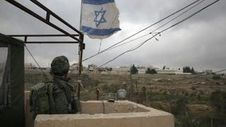 مقتل فلسطينيين اثنين في غارة إسرائيلية على نفق بين غزة ومصر