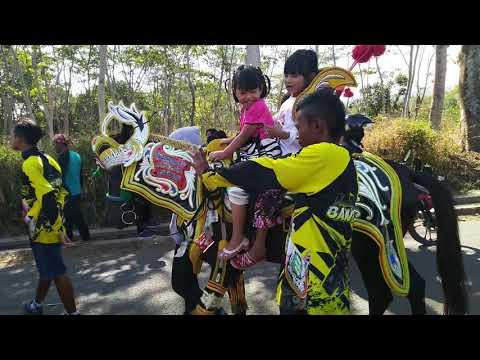 Seni Reak Lugay Pusaka Feat Seni Benjang Mekar Budaya Live Cikandang