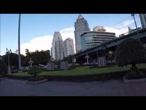 WALKING IN BANGKOK - LUMPINI PARK