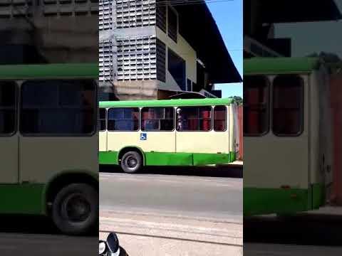 RepórterMT -  Homem surta com facão dentro de ônibus
