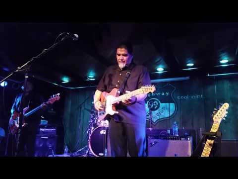 Daniel Castro Band - I Play the Blues for you