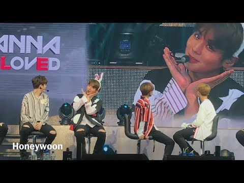 170922 Wanna One Jihoon imitating rabbit 워너원  지훈토끼- Wanna One Fanmeeting Singapore