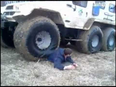 chịu đựng lực đè từ ôtô tải nặng cả tấn