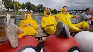 Покемоны устроили охоту на людей в Швейцарии: видео(На улицах швейцарского Базеля команда видеоблогеров на некоторое время превратилась в покемонов, устроив..., 2016-08-04T09:46:21.000Z)