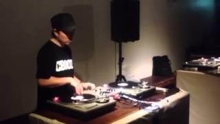 DJ KOUICHI FREE STYLE SCRACTH @ GRIND DJ BATTLE VOL.4