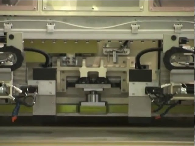 刃型位置決カメラ付き裁断 動画サムネイル