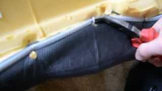 Снимаем скобы с сидений Mazda 3