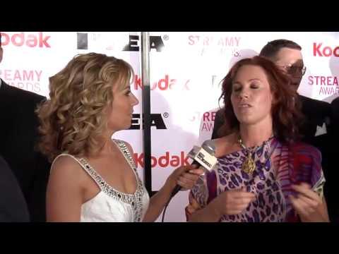 Elisa Donovan - 2010 Streamy Awards Red Carpet