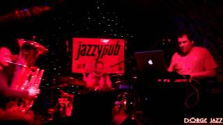 "LOOP DOCTORS Feat Szentpáli Roland ""Jazzin The House"" JAZZY PUB"