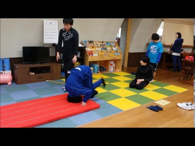 体育の時間「前転」|すくすくスクール|石川県加賀市|放課後等デイサービス