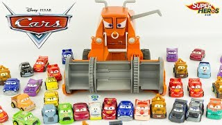 Disney Cars Frank Mange Mini Racers à Radiator Springs Flash McQueen Jouet Toy Review