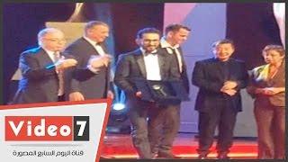 أحمد حلمى بمهرجان القاهرة السينمائى: الحمد لله بقينا نتكرم واحنا فى الدنيا