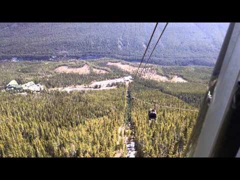 Banff Gondola lift ride. Up and Down the Sulphur Mountain. Alberta Canada. Банфф, Альберта, Канада.